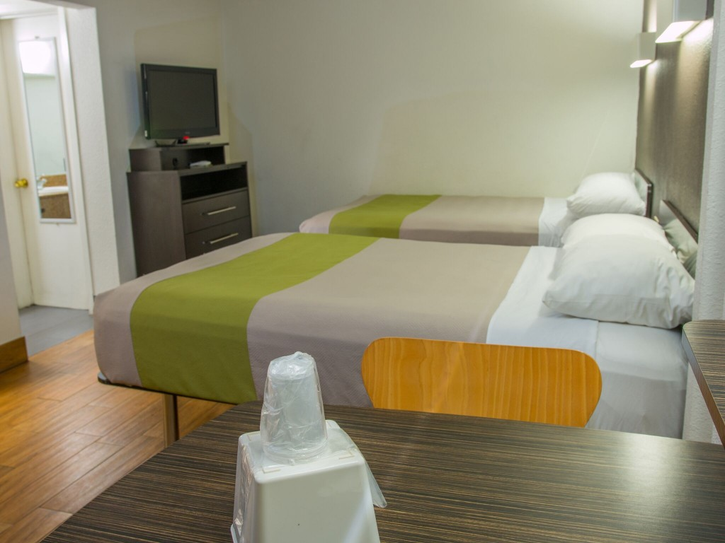 Standard Guestroom with 2 Beds