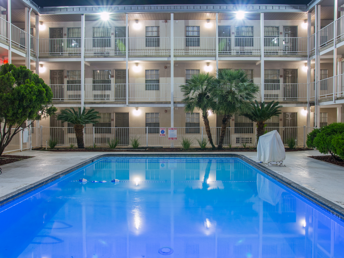 studio 6 fully furnished san antonio apartments